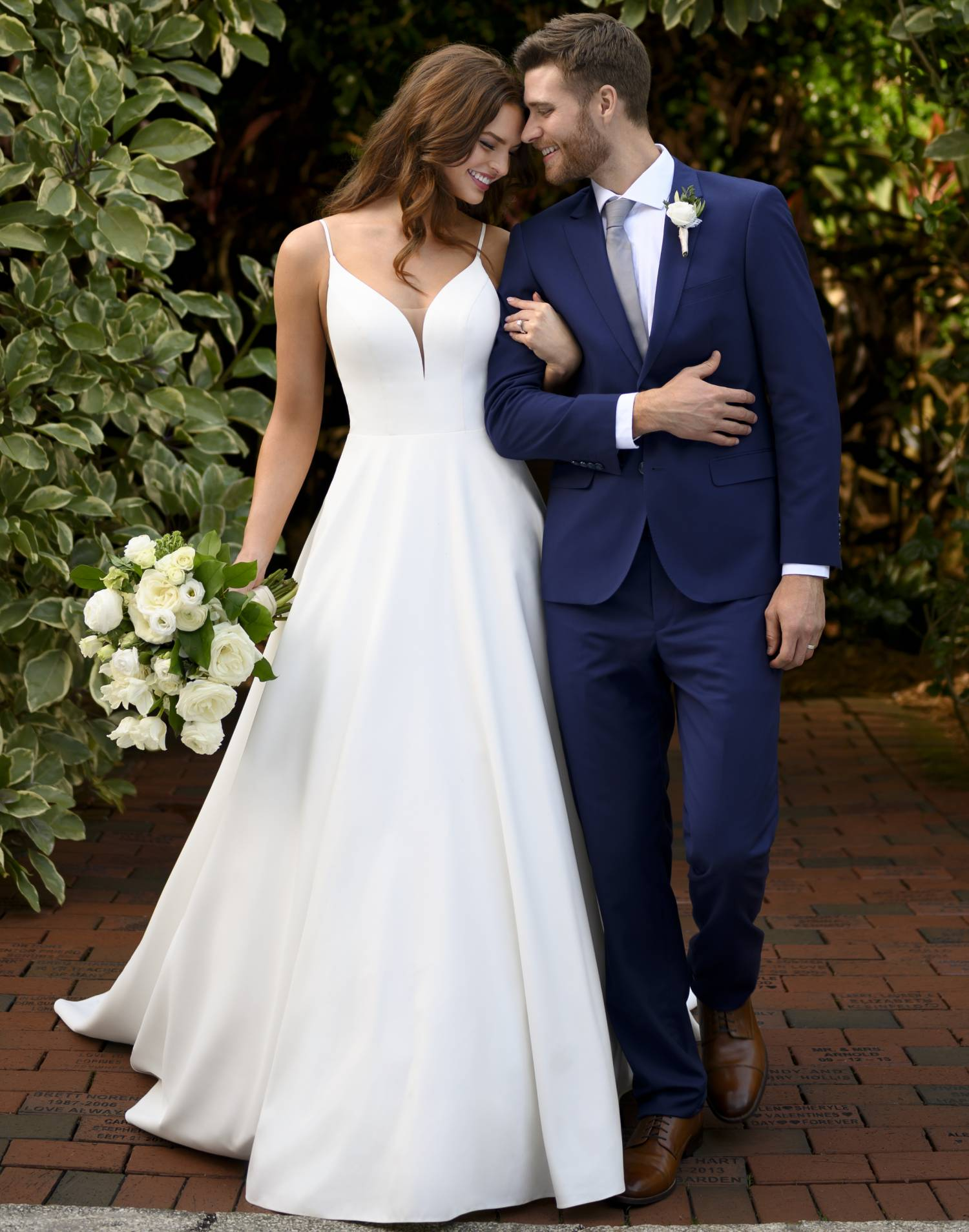 D3064 – Essense of Australia Wedding Dress Collection – Front View